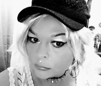Lezlee Rhodes's Public Photo (SexyJobs ID# 381396)